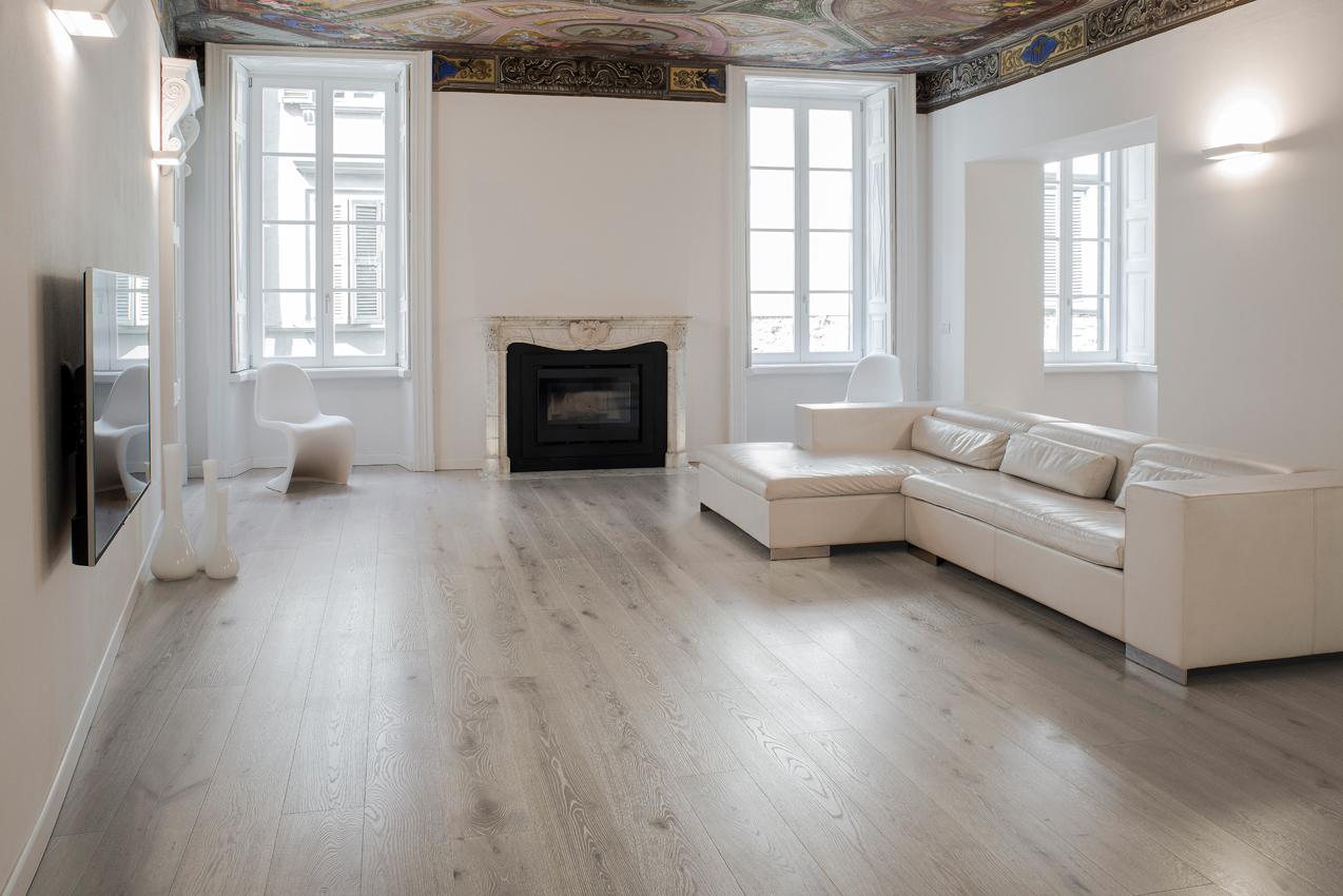 Soffitto Travi A Vista Bianco elegante gioco di equilibri   professional parquet